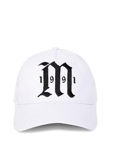 Mavi Şapka Beyaz